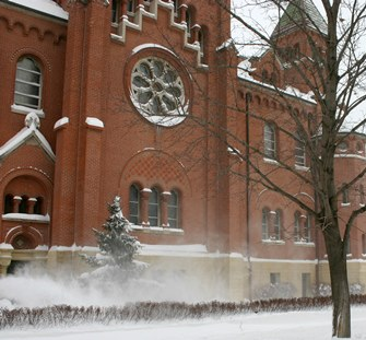 blowing-snow-chapel