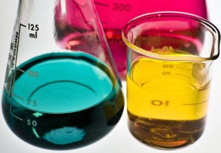 colorful-lab-beakers-freeimages.com