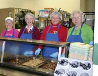 Sisters-serve-meals-to-homeless