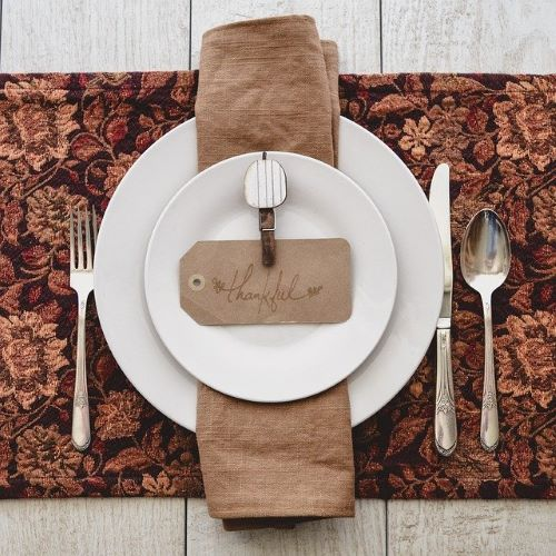 table-placemat-napkin-plate-thankful